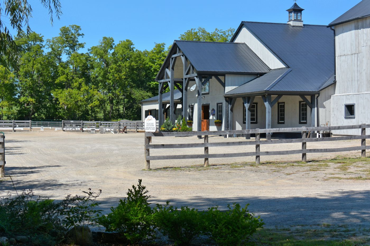 Bronte creek equestrian centre caledon country homes for Country home builders near me