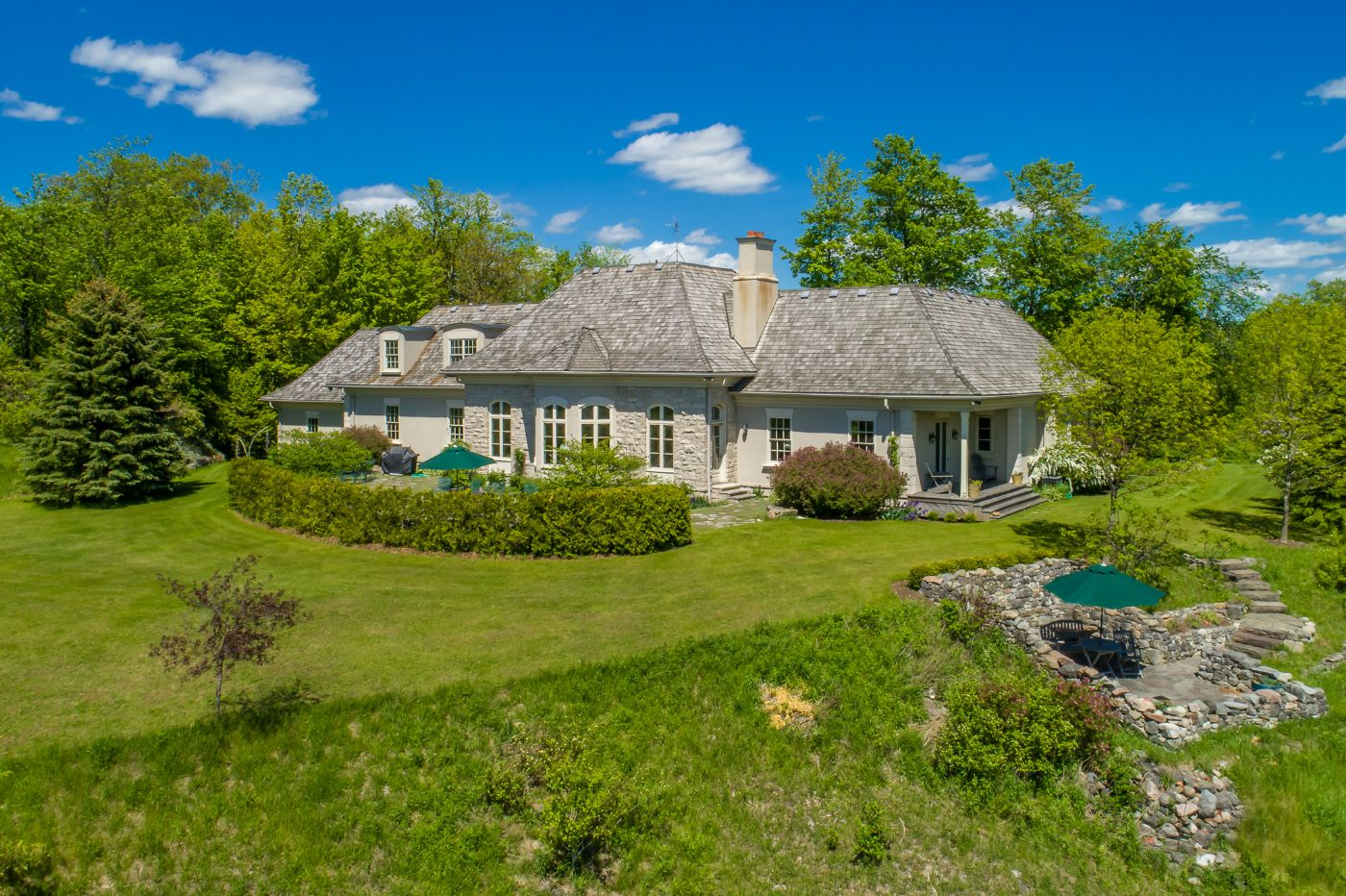 Mccasey design belfountain caledon country homes luxury for Luxury country homes