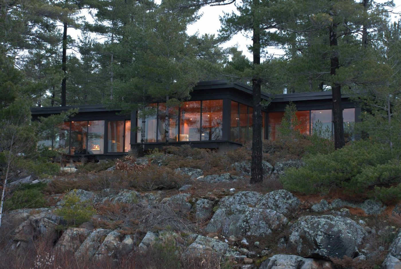 Contemporary cottage design caledon country homes luxury for Log home designs ontario