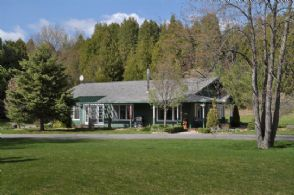 Guest House - Country homes for sale and luxury real estate including horse farms and property in the Caledon and King City areas near Toronto