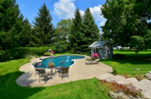 Outdoor Inground Pool - Country homes for sale and luxury real estate including horse farms and property in the Caledon and King City areas near Toronto