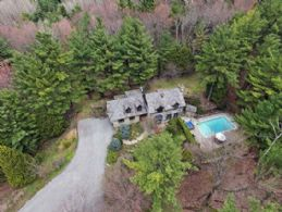 Character Home on 10 Acres - Country homes for sale and luxury real estate including horse farms and property in the Caledon and King City areas near Toronto