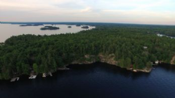 Lake Muskoka, Lake Muskoka Peninsula, Ontario - Country homes for sale and luxury real estate including horse farms and property in the Caledon and King City areas near Toronto