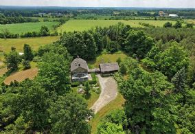 Privately Sited Main House - Country homes for sale and luxury real estate including horse farms and property in the Caledon and King City areas near Toronto