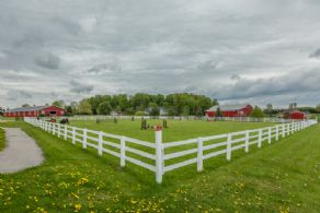 Grass Ring - Country homes for sale and luxury real estate including horse farms and property in the Caledon and King City areas near Toronto