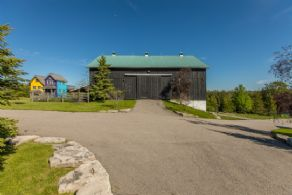 Bank Barn - Country homes for sale and luxury real estate including horse farms and property in the Caledon and King City areas near Toronto