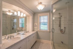 Bathroom - Country homes for sale and luxury real estate including horse farms and property in the Caledon and King City areas near Toronto
