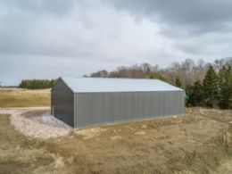Drive-in Outbuilding - Country homes for sale and luxury real estate including horse farms and property in the Caledon and King City areas near Toronto
