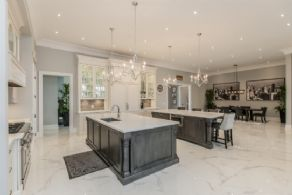 Kitchen and Breakfast Room - Country homes for sale and luxury real estate including horse farms and property in the Caledon and King City areas near Toronto