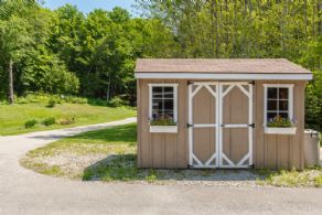 Potting Shed - Country homes for sale and luxury real estate including horse farms and property in the Caledon and King City areas near Toronto