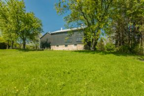 Barns would make ideal Studio or Residential Conversion - Country homes for sale and luxury real estate including horse farms and property in the Caledon and King City areas near Toronto