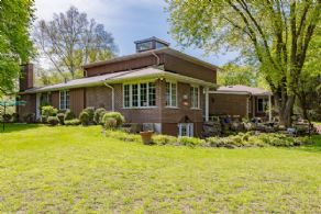 Walk-out Bungalow with Loft - Country homes for sale and luxury real estate including horse farms and property in the Caledon and King City areas near Toronto