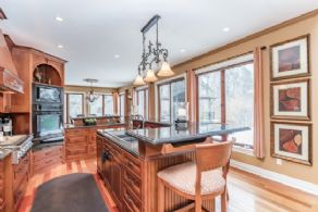 Kitchen with Centre Island - Country homes for sale and luxury real estate including horse farms and property in the Caledon and King City areas near Toronto