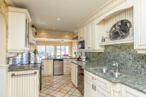 Updated Kitchen - Country homes for sale and luxury real estate including horse farms and property in the Caledon and King City areas near Toronto