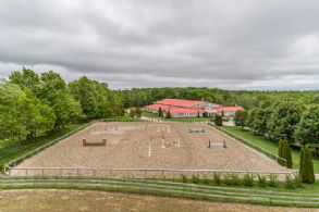 Outdoor Ring - Country homes for sale and luxury real estate including horse farms and property in the Caledon and King City areas near Toronto