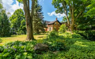 House through the Garden - Country homes for sale and luxury real estate including horse farms and property in the Caledon and King City areas near Toronto